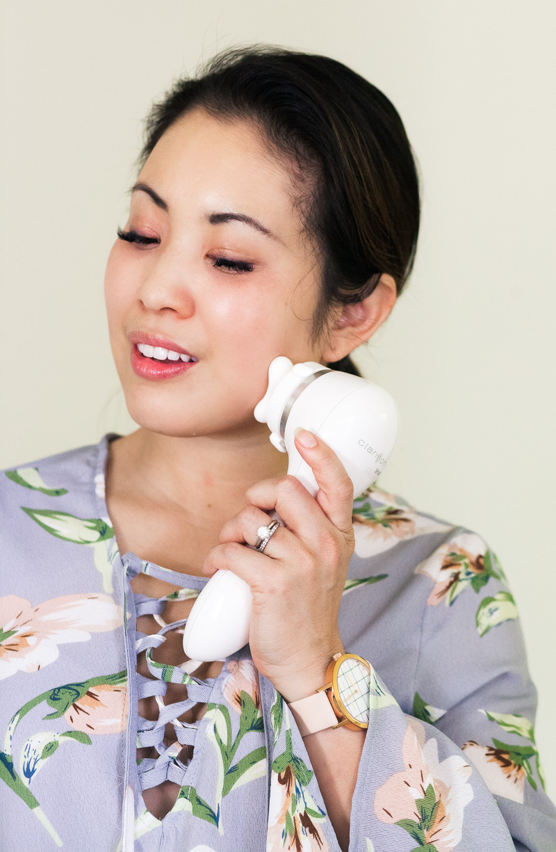 The Latest in Anti Aging: Clarisonic Smart Profile Uplift by Dallas blogger Kileen of cute & little
