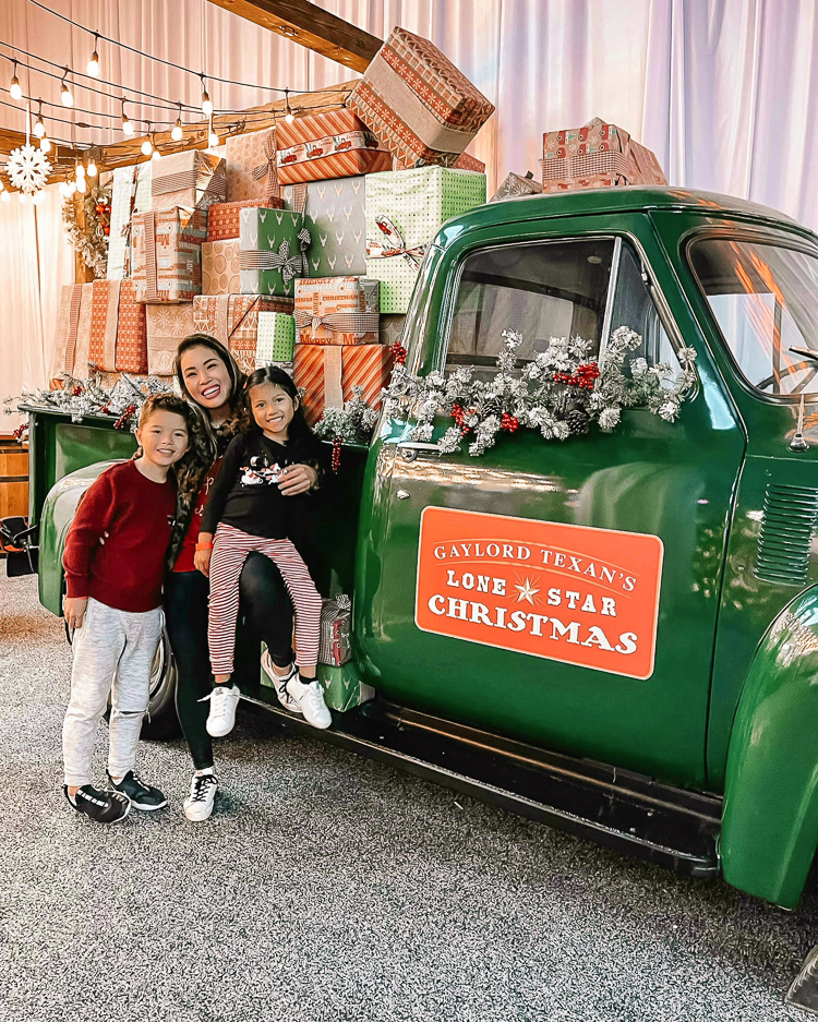 Holiday Fun At Gaylord Texan With Lone Star Christmas
